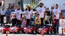 TRAFİK GÜVENLİĞİ - Protokol Üyeleri Simülasyon Aracında Kaza Anını Yaşadı