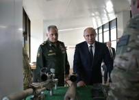 KESKİN NİŞANCI - Putin, Keskin Nişancı Tüfeği İle 600 Metreden Hedefi Vurdu