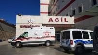 ÇANAKKALE ŞEHITLERI - Tosya'da Bıçaklı Kavga Açıklaması 1 Yaralı