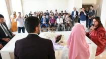 NİKAH SALONU - Yüksekova'da Öğretmen Çift Dünya Evine Girdi