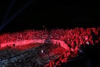 DANS GÖSTERİSİ - 1800 Yıllık Antik Stadyum Dans Gösterisine Ev Sahipliği Yaptı