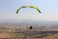 30 AĞUSTOS ZAFER BAYRAMı - Bayat Yamaç Paraşütçülerinin Yeni Gözdesi Olmaya Aday
