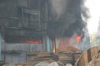 Denizli'de Depoda Çıkan Yangın Devam Ediyor