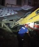 NEVRUZ - Kerpiç Evin Çatısı Çöktü, 2 Kardeş Yaralandı
