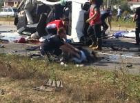 Sakarya'da Trafik Kazası Açıklaması 8 Ölü