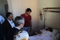 MEHMET TAHMAZOĞLU - Uğur Işılak Ve Şahinbey Belediye Başkanı Tahmazoğlu, Kazada Yaralananları Ziyaret Etti