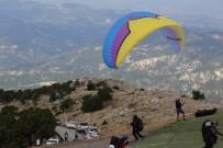 Yamaç Paraşütü Dünya Kupası Hazırlık Yarışması Denizli'de Başladı