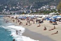 KLEOPATRA - Antalya'da Sahiller Turistlere Kaldı