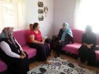 KIRTASİYE MALZEMESİ - Bayan Kamçı Hacılar İlçesinde