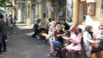 PAZAR GÜNÜ - Berlin Başkonsolosundan Saldırıya Uğrayan Türk Eğitim Derneğine Ziyaret