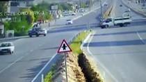 TARIM İŞÇİSİ - Denizli'de Servis Minibüsü İle Traktörün Çarpışması