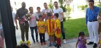 YENİ MALATYASPOR - Evkur Yeni Malatyasporlu Futbolcular Öğrencilerle Bir Araya Geldi