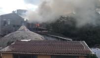 GÜVENLİK ÖNLEMİ - Fatih'te Marangoz Atölyesi Alev Alev Yandı