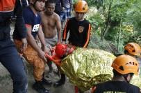 KIZ ÇOCUĞU - Filipinler'de Toprak Kayması Açıklaması 5 Ölü