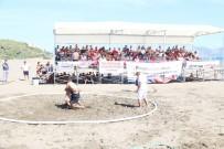 AK PARTİ İLÇE BAŞKANI - Güreşçiler Plajda Kıyasıya Mücadele Etti