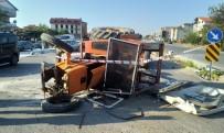 İŞÇİ SERVİSİ - İşçi Servisi İle Traktörün Çarpıştığı Kaza Güvenlik Kamerasında