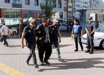 IRAK - Kayseri'de Yakalanan DEAŞ'ın Sözde Sincar Askeri Emiri Ve Oğlu Tutuklandı