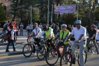 BELEDİYE BAŞKAN YARDIMCISI - Müdürler Bu Sefer İşe Makam Araçları İle Değil Bisikletle Gittiler