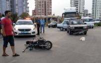 ELEKTRİKLİ BİSİKLET - Otomobil Elektrikli Bisikletle Çarpıştı Açıklaması 1 Yaralı