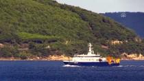 Rus Arama Kurtarma Gemisi Çanakkale Boğazı'ndan Geçti