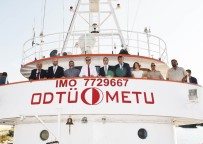 BİLİM KURGU - Vali Su, 'Bilim 2' Gemisini İnceledi