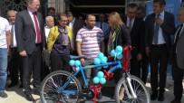 FESTIVAL - AB Delegasyon Başkanı Christian Berger Ve Fatma Şahin Tramvayla Yolculuk Yaptı