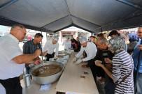 EROL AYDIN - Adapazarı Belediyesi 10 Bin Kişilik Aşure Dağıttı