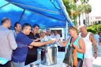 CUMA NAMAZI - Antalya'da Turistler De Aşure Kuyruğuna Girdi
