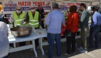 BATı KARADENIZ - Çaycuma'da 4 Bin Kişiye Aşure Dağıtıldı