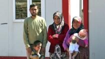 DAVUT GÜL - Evleri Yanan Aileye Valilik Sahip Çıktı