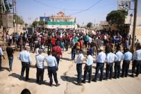 DEVRIM - Fırat Kalkanı Bölgesinde Esad'a Karşı Gösteriler Yapıldı