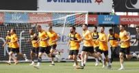 FLORYA - Galatasaray, Akhisarspor Maçı Hazırlıklarını Sürdürdü