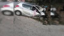 SONBAHAR - GÜNCELLEME - Afyonkarahisar'da Trafik Kazası Açıklaması 3 Ölü, 1 Yaralı