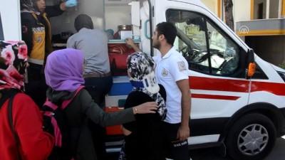 Karaman'da Otomobil Öğrenci Servisiyle Çarpıştı Açıklaması 4 Öğrenci Yaralı