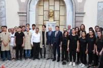 DOĞAN YAĞCı - Mobilya Bölümündeki Öğrencilere 300 TL Burs
