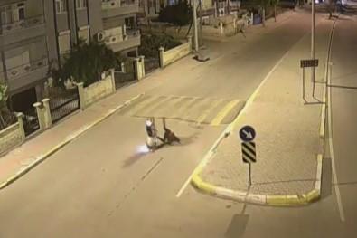 Motosiklet, Sürücüsüyle Birlikte 20 Metre Savruldu