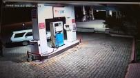 CAMİİ - Oto Hırsızlarının Kaçış Anları Güvenlik Kamerasında