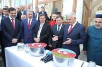 BİNALİ YILDIRIM - TBMM Başkanı Binali Yıldırım Azerbaycan'da Aşure Dağıttı