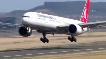 BOEING - TEKNOFEST'te Türk Yıldızları İle THY Uçağının Tarihi Uçuşu