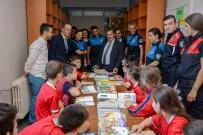 KIRTASİYE MALZEMESİ - Trabzon Emniyeti Öğrencilere Kırtasiye Malzemesi Ve Kitap Yardımı Yaptı