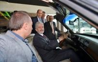 KLASİK ARABA - Büyükşehir Belediye Başkanı Doç. Dr. Mustafa Tuna, Otonomi'yi Ziyaret Ederek, Galeri Esnafıyla İstişarelerde Bulundu