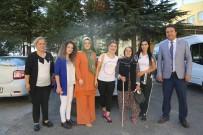ALZHEIMER - Engelsiz Yaşam Merkezi Çalışanlarından Huzurevine Ziyaret