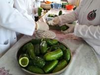 BÜLENT UYGUR - Gastronomi Kenti Hatay'da Dolmalık Ve Turşuluk Salatalıklar Kışa Hazırlanıyor