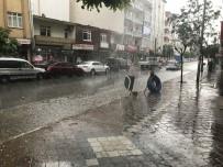 SAĞANAK YAĞIŞ - Iğdır'da Sağanak Yağış Hayatı Olumsuz Etkiledi