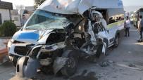 Kırmızı Işıkta Duramayan Servis Minibüsü 2 Araca Çarptı Açıklaması7 Yaralı
