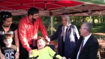 ŞAHAN GÖKBAKAR - Şahan Gökbakar Engelli Hayranıyla Buluştu