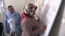 OKUMA YAZMA SEFERBERLİĞİ - Sevilay Öğretmen Mesaisini Emekliliğinde De Sürdürüyor