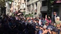 OTURMA EYLEMİ - Taksim'de İzinsiz Gösteri