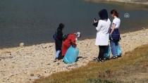 AHMET CAN - Gençler Doğadan 200 Poşet Çöp Topladı