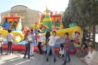 BELEDİYE BAŞKANLIĞI - Hakkarili Çocukların Şişme Oyun Parkı Sevinci